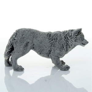 Волк рычащий