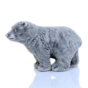 Медвежонок стоит