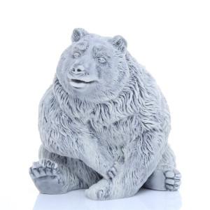Медведь бурый сидит